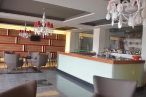 A área de bar ou lounge em Hotel Atlantida Sol