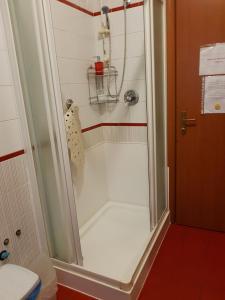 A bathroom at Guesthouse La Rocca