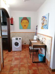 A kitchen or kitchenette at Casa Fayna Playa Honda