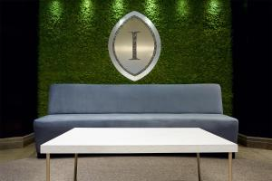 A seating area at InterContinental Montreal, an IHG Hotel