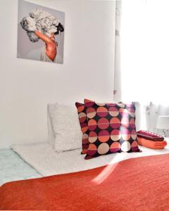 Кровать или кровати в номере Apartment on Skhodnenskaya 11
