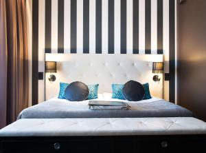 A bed or beds in a room at Scandic Paasi