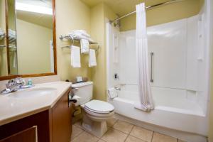 A bathroom at Quality Inn South Colorado Springs