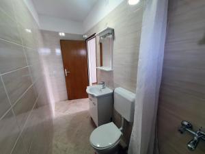 A bathroom at Apartment LANKA