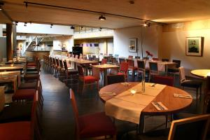 A restaurant or other place to eat at Scandic Stiklestad