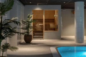The swimming pool at or near Hotel Norge by Scandic