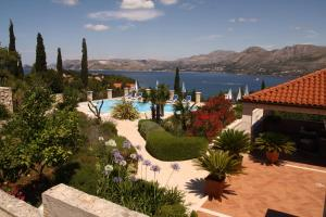 A view of the pool at Villa Alegria Cavtat or nearby