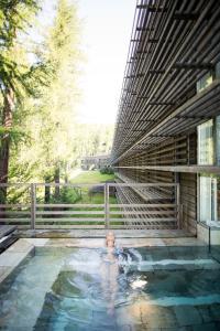 The swimming pool at or near Vigilius Mountain Resort