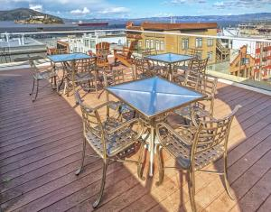 Vista de la piscina de The Suites at Fisherman's Wharf o alrededores