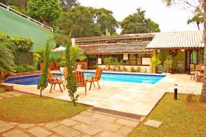 The swimming pool at or close to Apoema Pousada Spa