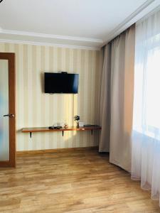 Телевизор и/или развлекательный центр в апартаменты Павловский тракт