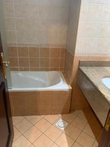 A bathroom at Al Manar Hotel Apartments