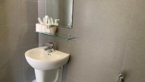 A bathroom at Moonlight House & Apartment Nha Trang