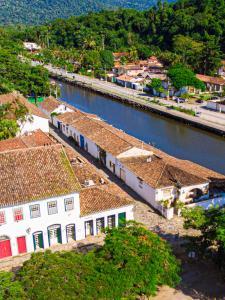 Uma vista aérea de Pousada Porto Imperial
