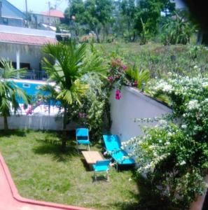 A view of the pool at Villa Saint-Sulpice Apt avec piscine or nearby