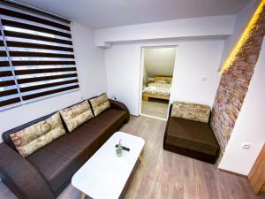 Prostor za sedenje u objektu Kiko apartmani
