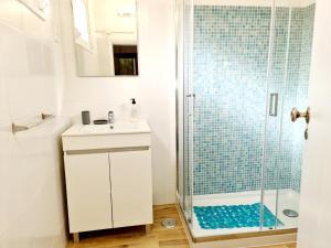 A bathroom at Casa Algarvia