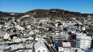 Blick auf Hotel Pension Berghaus Sieben aus der Vogelperspektive