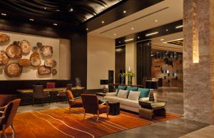 A restaurant or other place to eat at The Westin Abu Dhabi Golf Resort & Spa