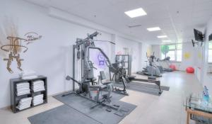 The fitness center and/or fitness facilities at Michel Hotel Frankfurt Maintal