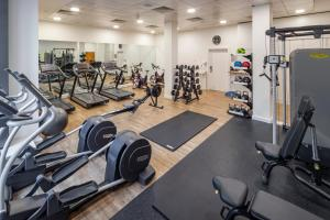 The fitness center and/or fitness facilities at DoubleTree by Hilton Manchester Piccadilly