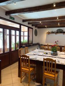 Ресторант или друго място за хранене в Hotel Villa Rai