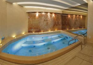 The swimming pool at or close to Hotel Villa Valdibora