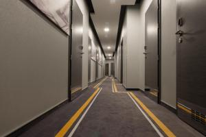 Фасад или вход в 12th Floor Apartments