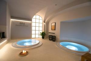 A bathroom at Palazzo Lorenzo Hotel Boutique & Spa