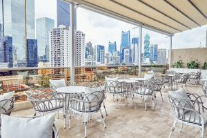 A restaurant or other place to eat at Waldorf Astoria Panama
