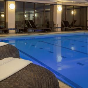 The swimming pool at or close to The Hampshire Court Hotel - QHotels