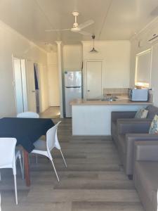 A kitchen or kitchenette at Oceanside Village