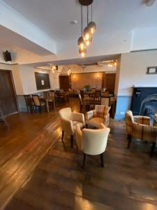 The lounge or bar area at The Hand Hotel