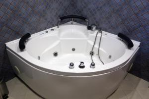 A bathroom at Casal Pedrajás