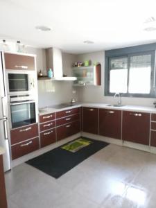 A kitchen or kitchenette at Casa Moderna en Fanzara, Castellón, pueblo MIAU