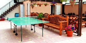 Table tennis facilities at Антураж or nearby