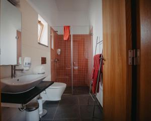 Uma casa de banho em Casa Dos Xarês
