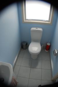 A bathroom at Sandcastle BnB