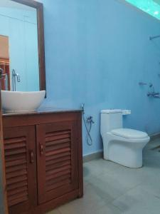 A bathroom at Sea Front Beach Huts