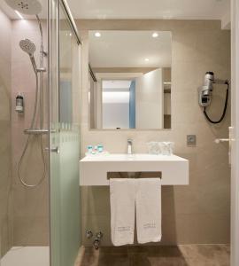 A bathroom at Hotel Parma