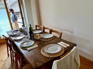 A restaurant or other place to eat at Sulle piste del comprensorio Civetta con vista panoramica sul Monte Pelmo