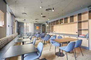 A restaurant or other place to eat at Sonder l La Casa del Sol