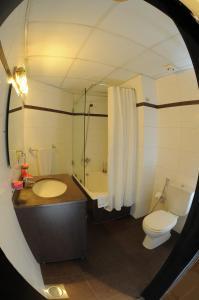 حمام في فندق سويت ميرلوت - بيروت