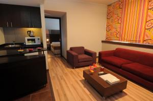 منطقة جلوس في فندق سويت ميرلوت - بيروت