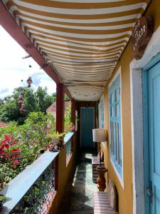 Uma varanda ou terraço em Hospedaria Santa Bárbara