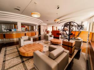 The lounge or bar area at Continental Inn