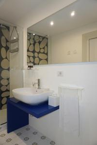 A bathroom at Giuggiulena