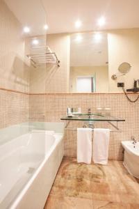 Un baño de La Bella Sevilla