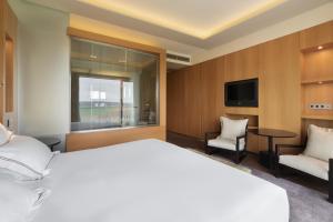 Cama o camas de una habitación en Eurostars Valbusenda Hotel Bodega & Spa