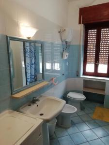 A bathroom at Casa Vacanza Orizzonte